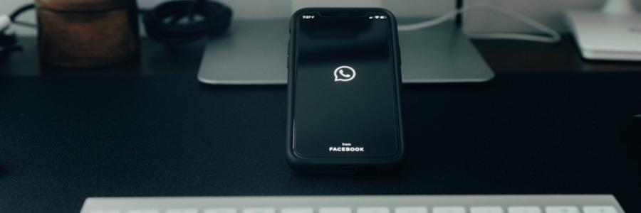 aplicacion whatsapp iniciando en celular