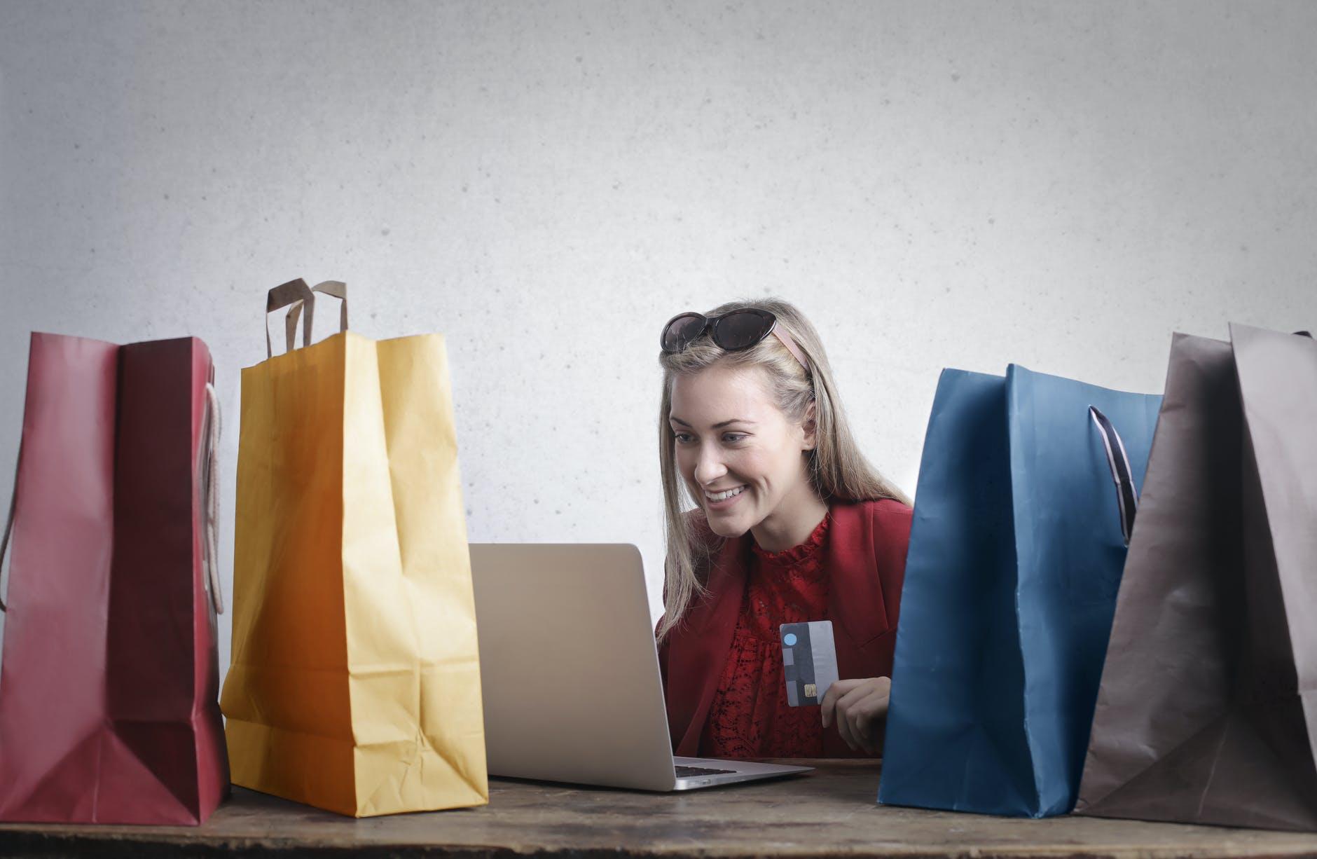 software para transacciones comercio electrónico